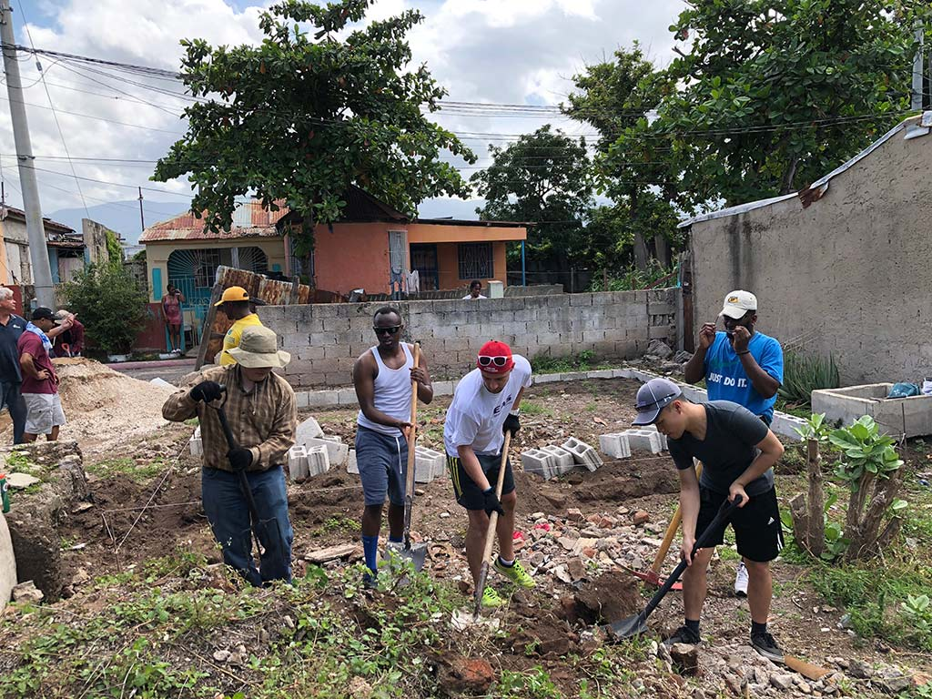 Volunteers work hard in Jamaica